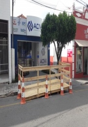 Instalação dos PARKLETS nas ruas do Centro.